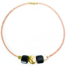 NECKLACE W/ GOLD OVAL BEAD AND BLACK CER. (BEIGE)